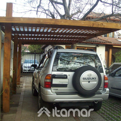 estacionamiento sin pilares, con tensores