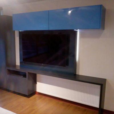 Mueble Television lacado
