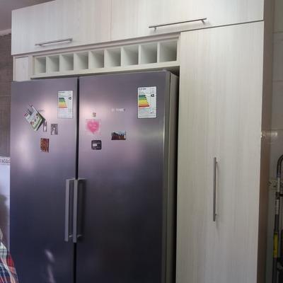 mueble de cocina con especiero y despensa extraible