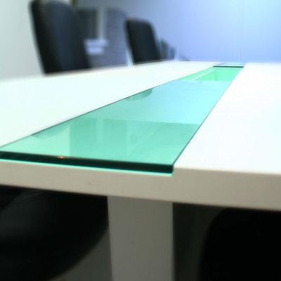 Mueble Laminado y vidrio