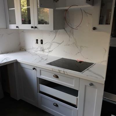 Cubierta de cocina y revestimiento de pared