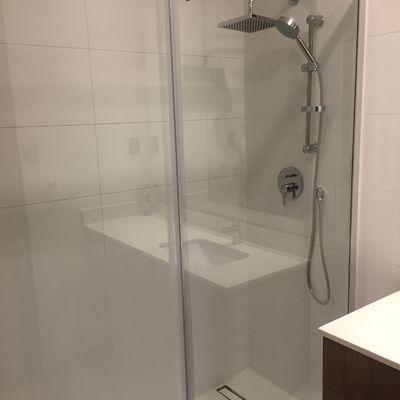 Tina por shower
