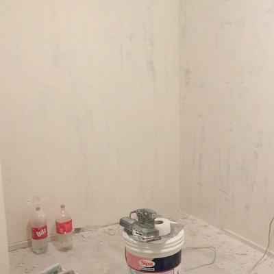 Yeso y pasta muro en living