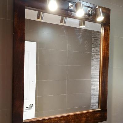 Espejo de baño de madera Rauli