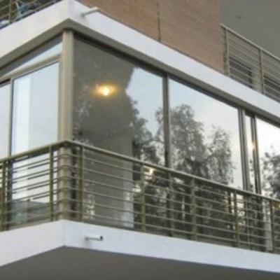 Cierre de terraza color titanio