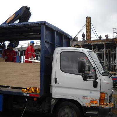 Camiones trabajando