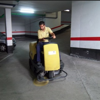 Limpieza de Estacionamientos