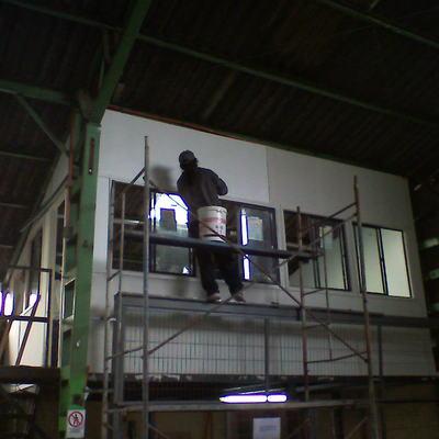 Construcción de oficina en empresa embasadora de alimentos