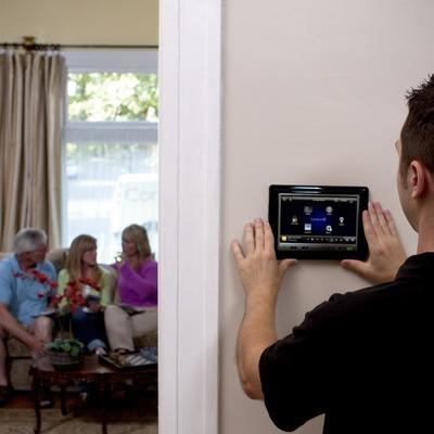 Control de su hogar desde una pantalla táctil