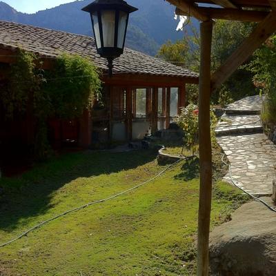 Detalle Exterior casa Juan Bustos Olmue