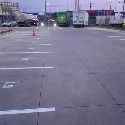 Demarcacion estacionamientos enumerados