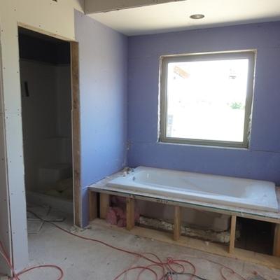 Durkock en baño con pintura