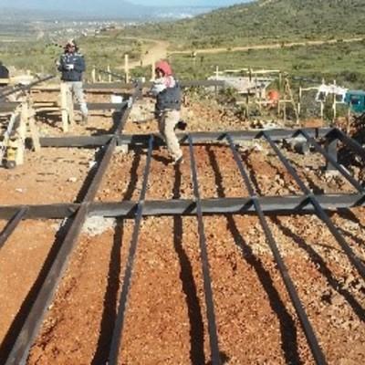 estuctura metalica en una terraza