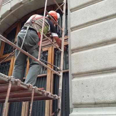 Mantencion fachada, pintura y barnices bolsa de comercio