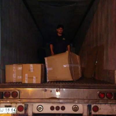 estibo de muebles en camion
