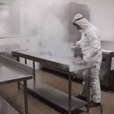 Limpieza y sanitización de plantas industriales