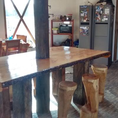 Mesa de cocina en obra para 12 personas