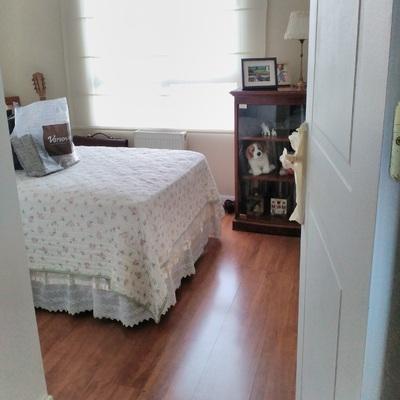 dormitorio pequeño antes