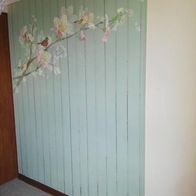 Instalando papel mural