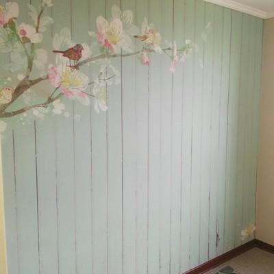 Terminando instalación papel mural