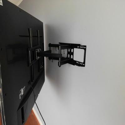 Instalando brazo para tv