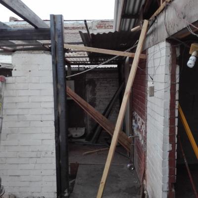 Salida patio y acceso a segundo piso