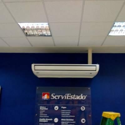 Instalación Split piso cielo en sucursal ServiEstado
