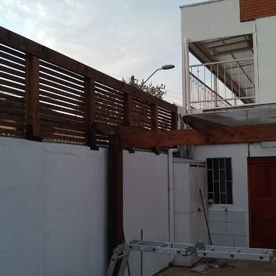 Confeccion Trillage sobre muro en madera nativa pilares roble Trillage en Oregón