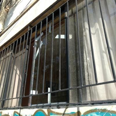 Cambio de vidrio en ventana de fierro