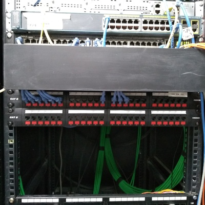 Rack comunicaciónes UTEM