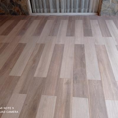 Instalación de porcelanato tipo madera 0, 25*1, 20