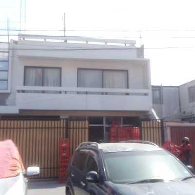 Construcción de casa de 2 plantas.