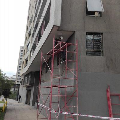 Instalación luminarias  edificio ZOOM