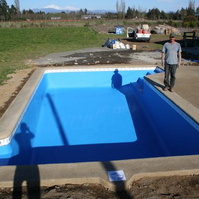 Construccion de piscinas velasquez chill n for Empresas construccion piscinas