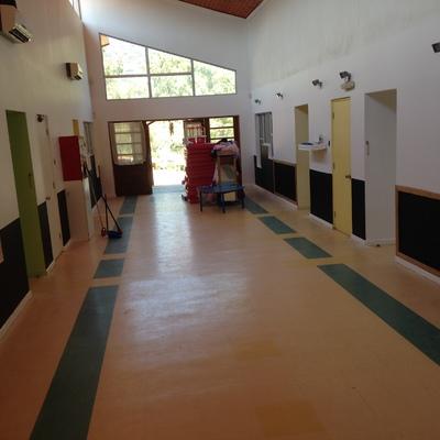 Hall central de ingreso de salas de jardín infantil