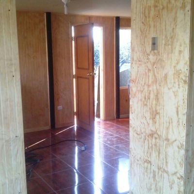 pasillos interiores en proceso de terminaciones