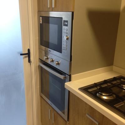 Torre para microondas y horno eléctrico