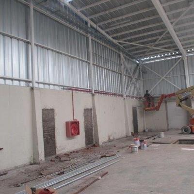 Construcción de galpón, pintura intumescente y red Humeda