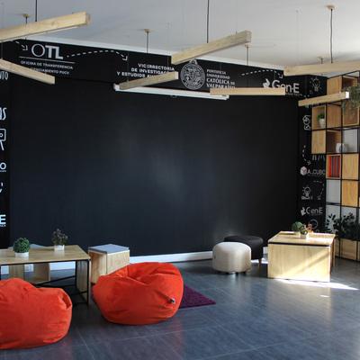 Zona COWORK Sala Google PUCV