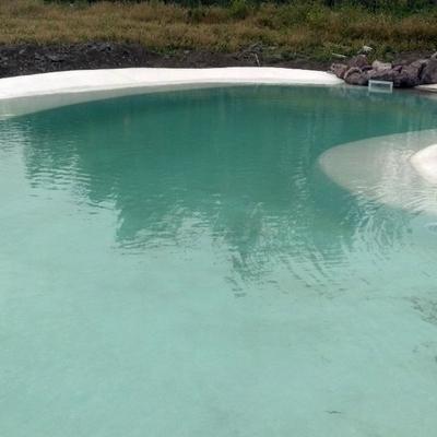 piscina con cuarzo