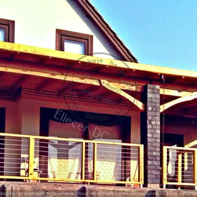 terraza con pilares de hormigon