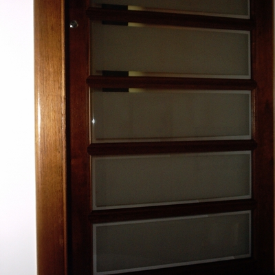 Puertas de madera sin imagen with puertas de madera for Vidrios para puertas de madera