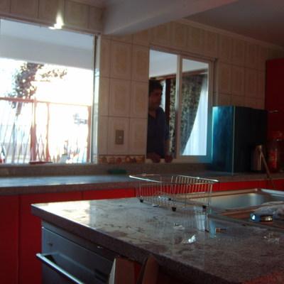cocina postformada cubierta granito gris mara