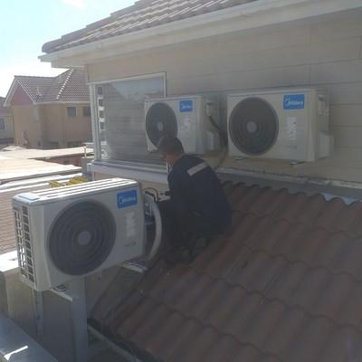 instalación de unidades condensadora