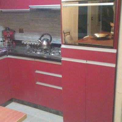 Muebles de Cocina Enchape Lamitech y Granito Negro San Gabriel