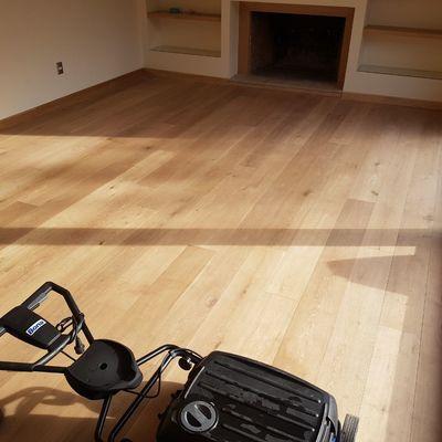 Limpieza de piso de madera