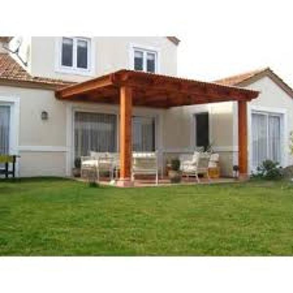 Foto cobertizo de madera de gasfiteria hogar 41777 for Cobertizos para patios