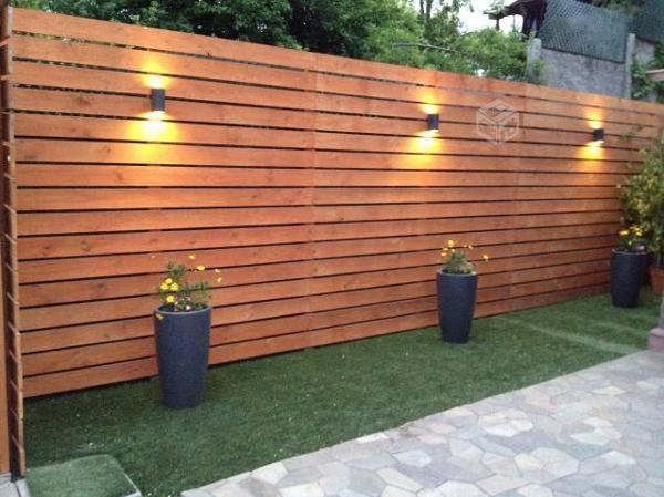 Foto deck verticales para muro de roberto moreno 78286 for Materiales para patios exteriores