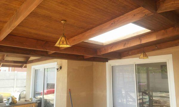 Foto cobertizo techo plano con tragaluz de construcciones for Cobertizo de jardin moderno de techo plano