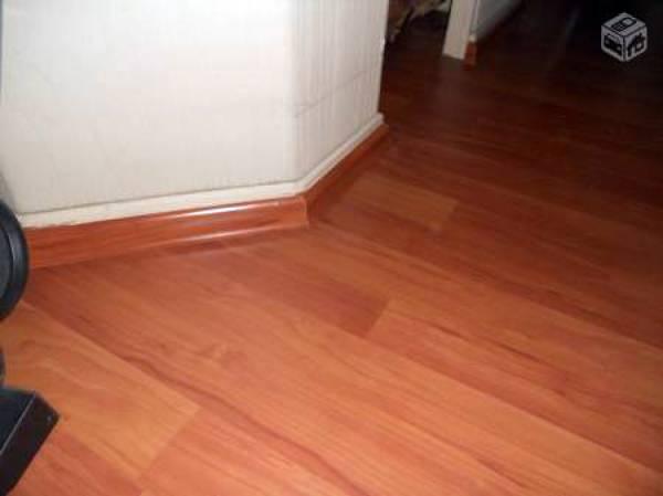 Foto instalador de piso flotante en pudahuel de pisos for Pisos laminados homecenter